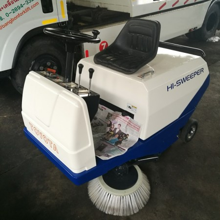 TOYOTA Sweeper